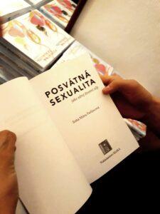 Kniha Posvátná sexualita jako zdroj životní síly